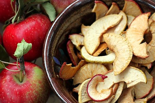 *Make Ahead Snack--Maple Olive Oil Apple Chips. 4 apples, 3Tbsp pure maple syrup, 1Tbsp olive oil, pinch of salt. Preheat oven 250F. Combine syrup, oil, & salt in a large bowl. Thinly slice apples & toss to coat in the mixture. Arrange apples non-stick sprayed baking sheet & Bake 1.5-2hours. Store in an airtight container.