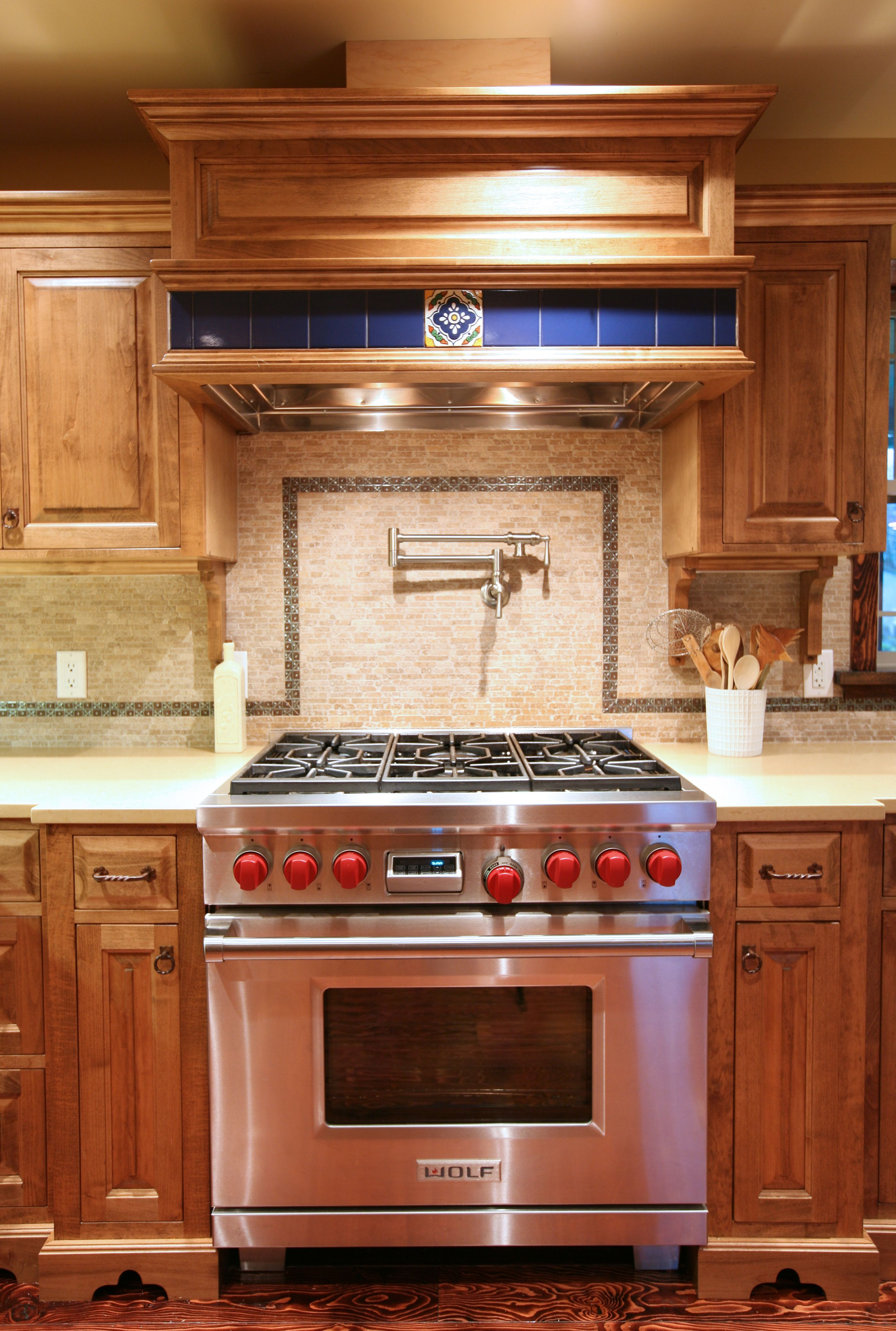 10 Kitchen And Home Decor Items Every 20 Something Needs: I Want This Wolf Gas Stove!!