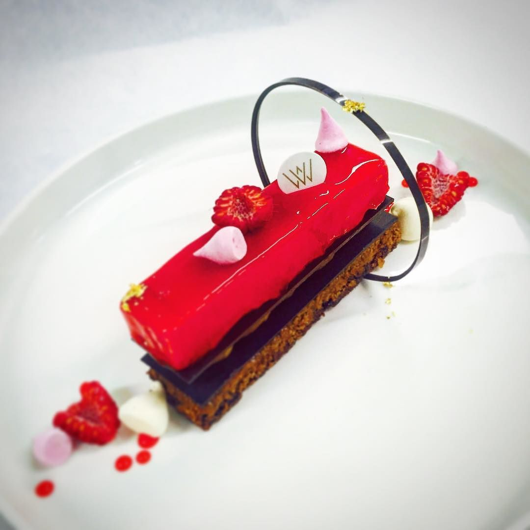 Instagram Photo By Willem Verlooy Feb 4 2016 At 7 51am Utc Desserts Plated Desserts Valentine Plates