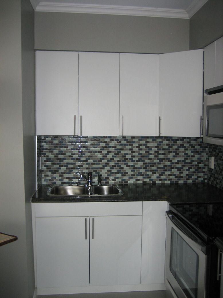 Best Kitchen Fair Small Kitchen Decoration With Black Glass 400 x 300