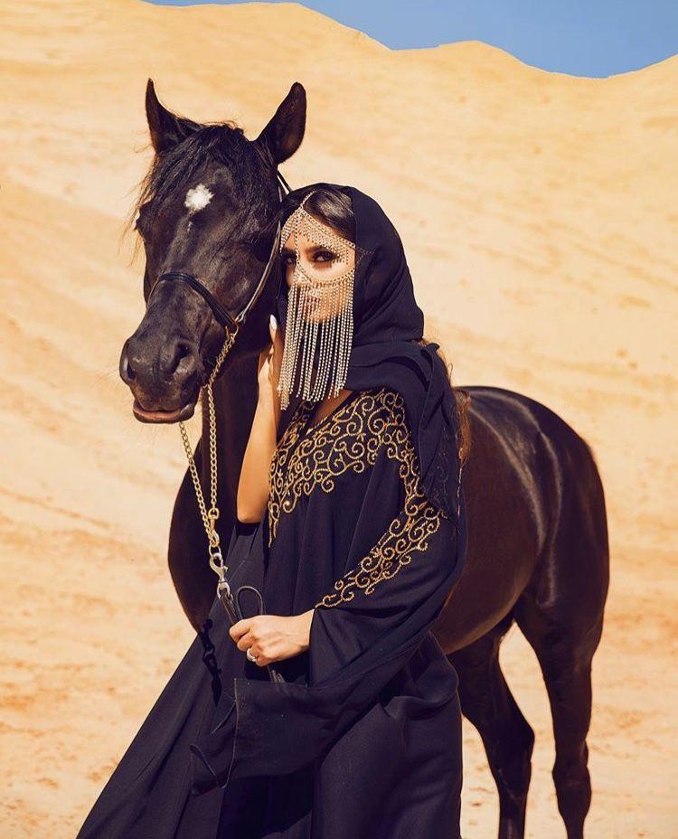 Восточная девушка в пустыне картинки