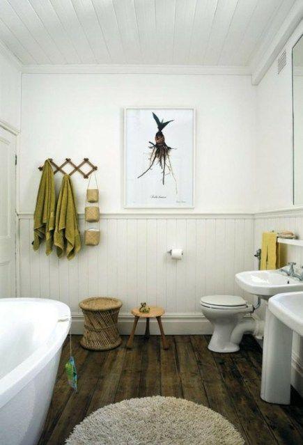 Salle de bain grise soubassement lambris peinture blanche Laque