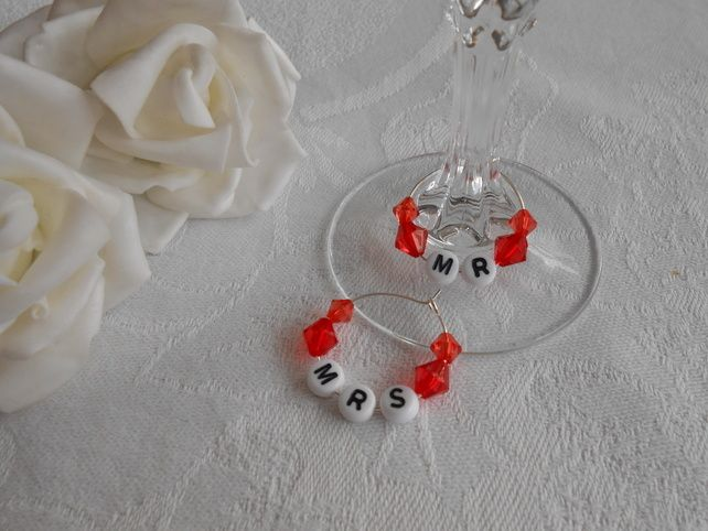 Mr & Mrs wedding wine glass charms - great gift idea
