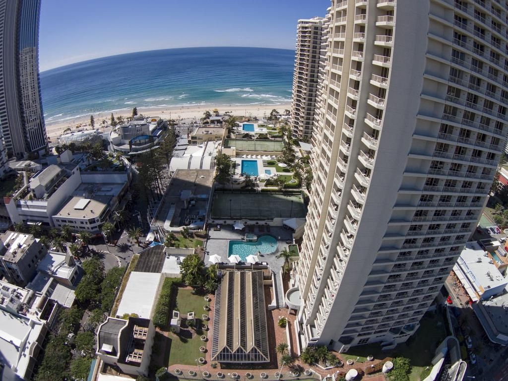 Novotel Surfers Paradise Gold Coast Is Surrounded By Immaculate Beaches Spirited Nighlife And Fun Filled Theme Park Surfers Paradise Gold Coast Coast Hotels