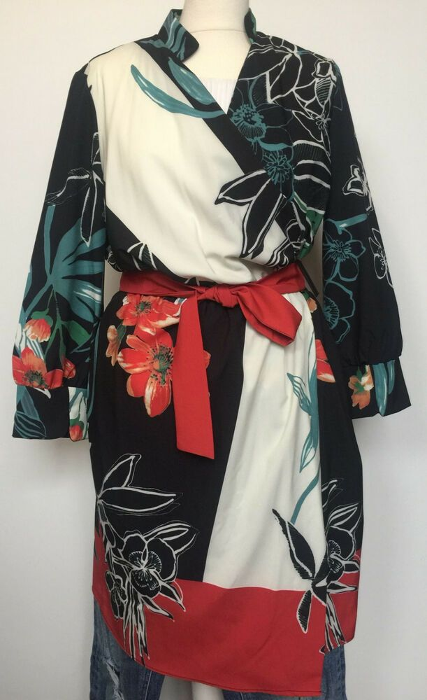 ZARA Kimono Wickelkleid Kleid Blumen Blümchen Gr.L ...