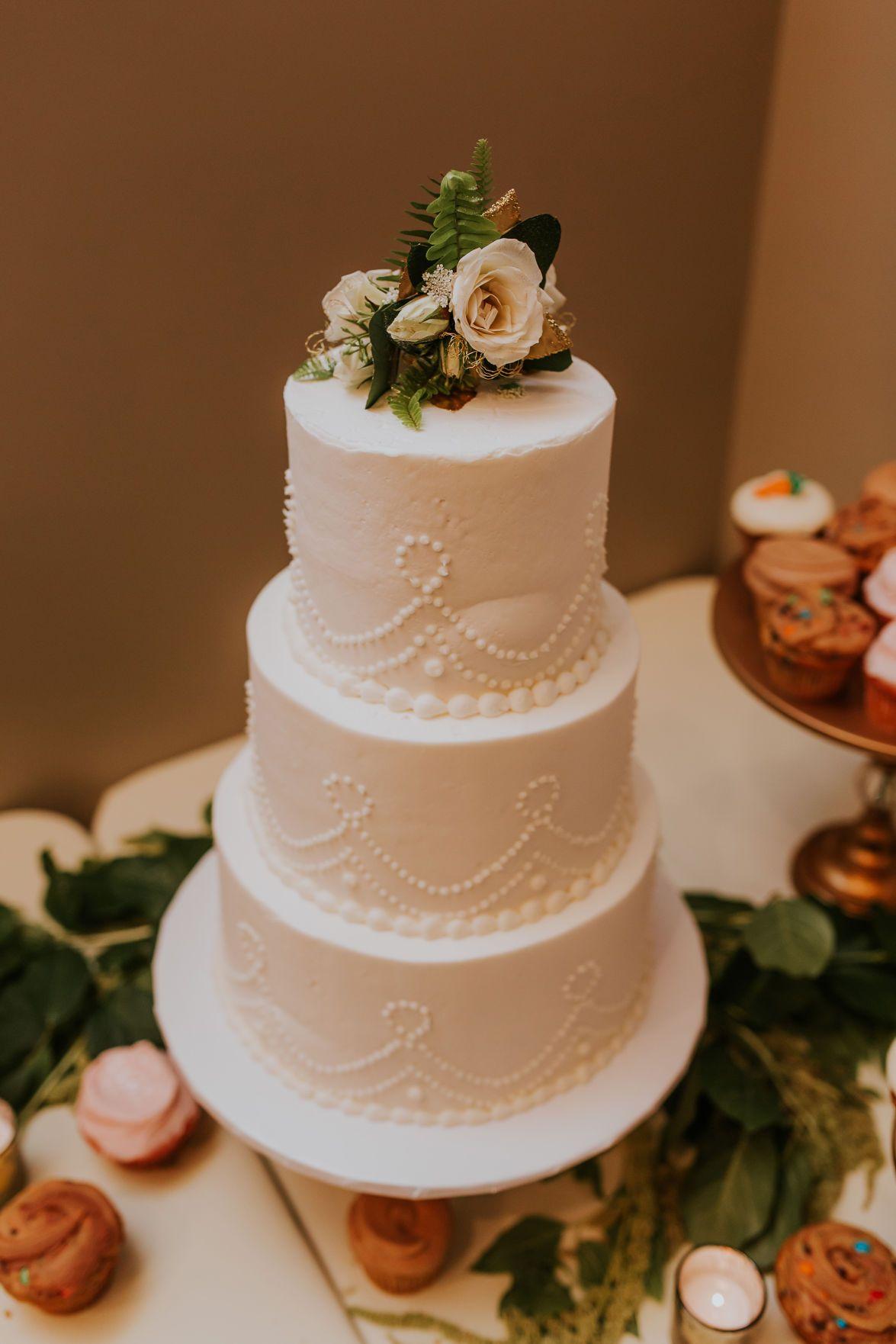 Wedding Essentials Omaha // Real Wedding // Amy & Joel // Nebraska Bride // Floral // Dresses // Tuxes // Blush Wedding Decor