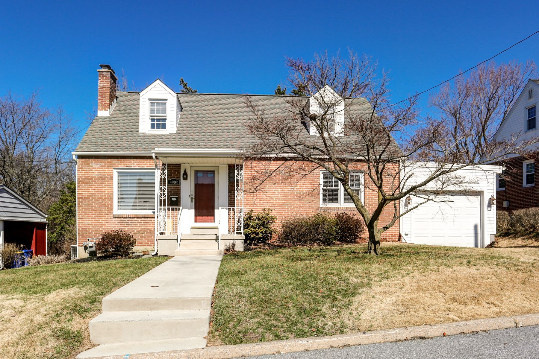 Swatara Twp 4908 Hilltop Rd Harrisburg Well Maintained 4 Bdrm Brick Cape Cod W Attached 1 Car Garage Living Rm W Brick Real Estate Gas Fireplace My Home