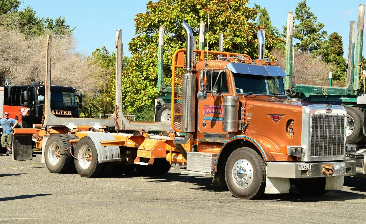 Peterbilt Custom 567 Log Hauler Peterbilt Trucks Peterbilt