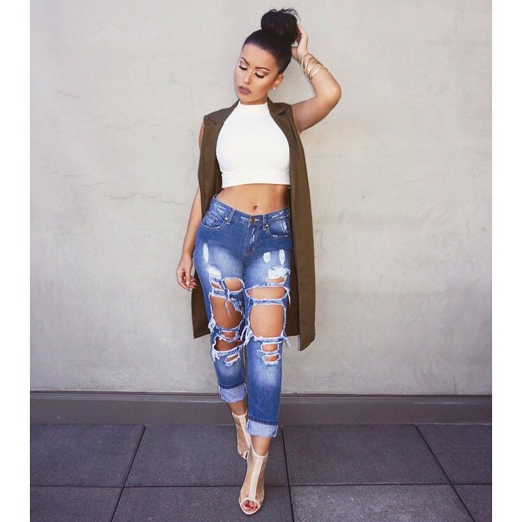 6528d0a28ba5 Crop top and ripped jeans. Madswag03