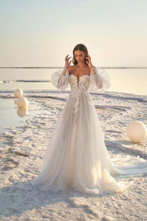 Off shoulder Puffy Sleeve Tulle Wedding Dress Long Sleeve 3D Floral Applique A line Illusion Bridal Gown Romantic fairy Vintage custom made