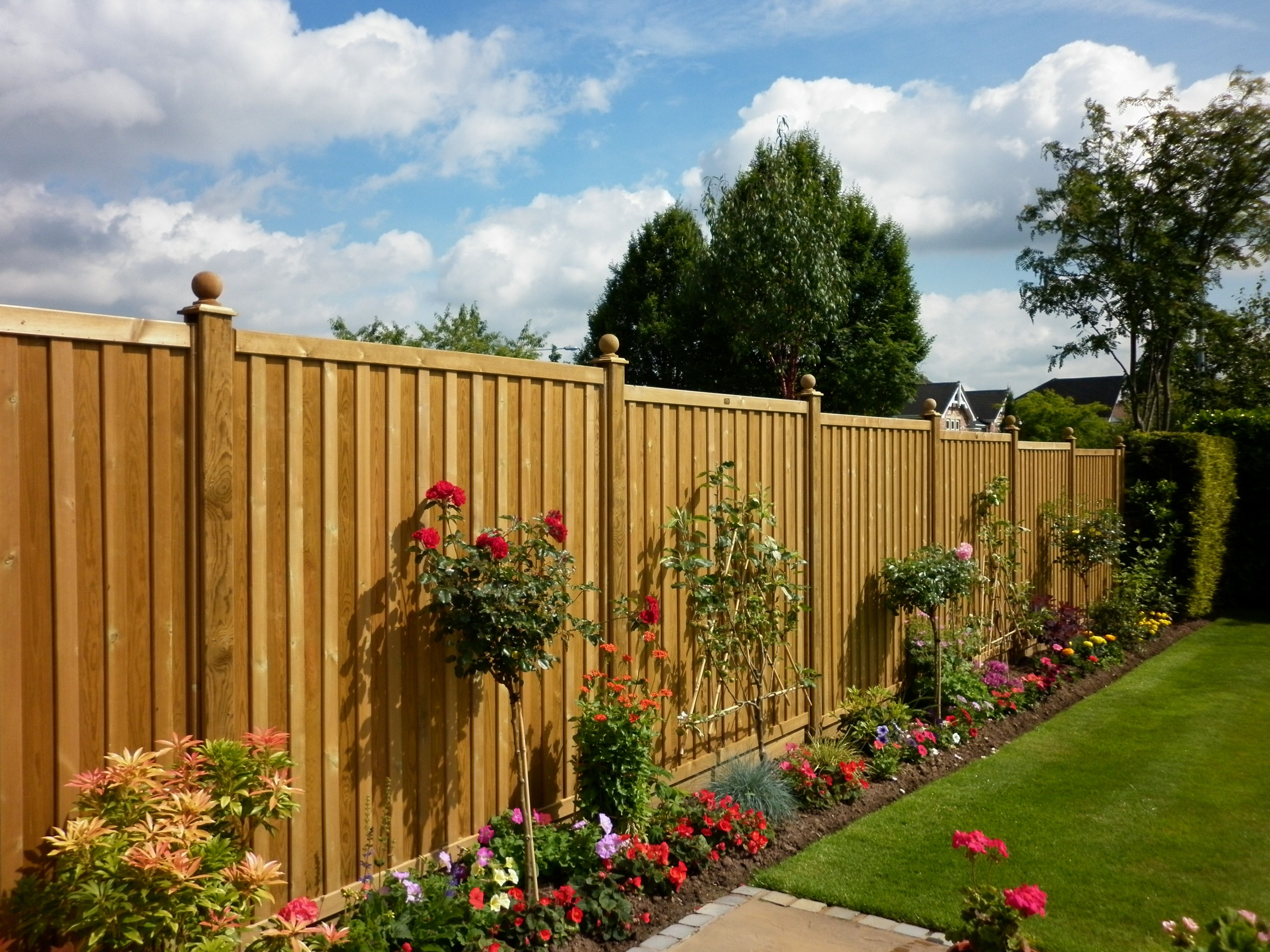 Make Your Garden Fantastic By Fencing The Best Garden Fences In