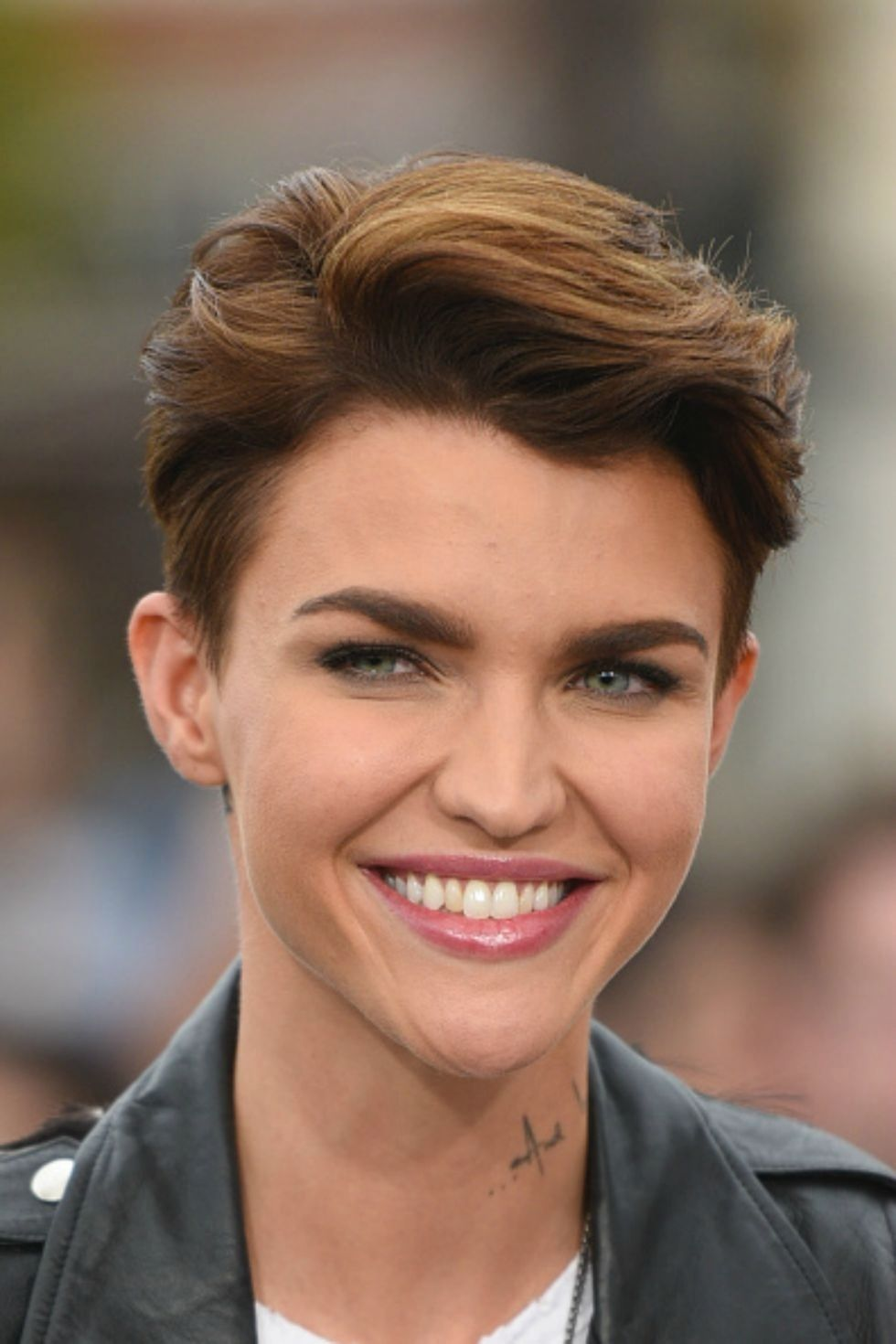 30 Short Hairstyles For Thick Hair 2017 Womens Haircuts For For
