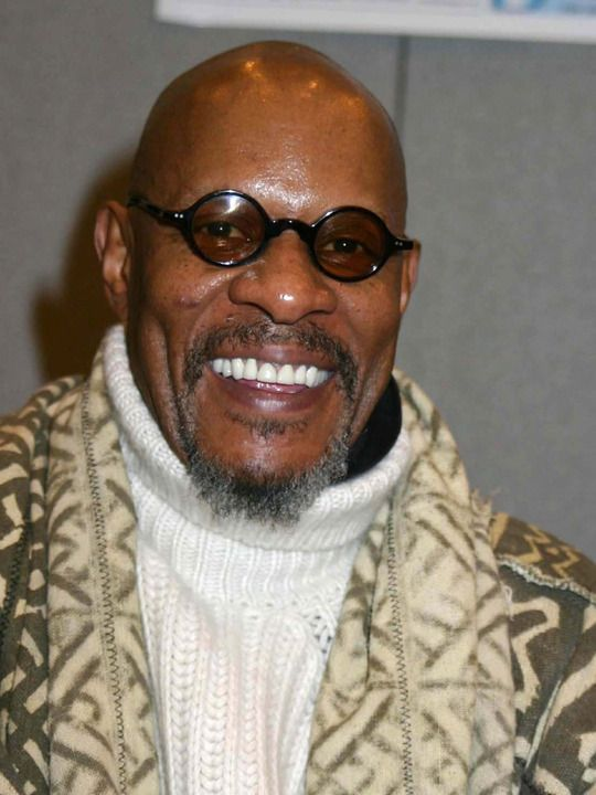 avery brooks hawk