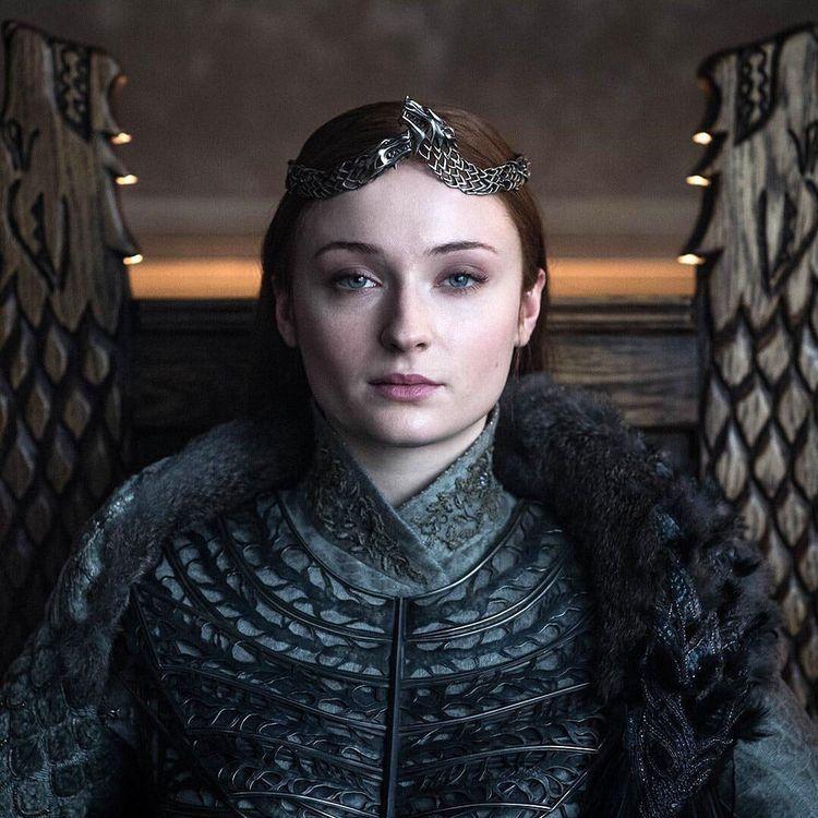 The Queen Of The North Sansa Stark Hair Sansa Stark Costume Sansa Stark