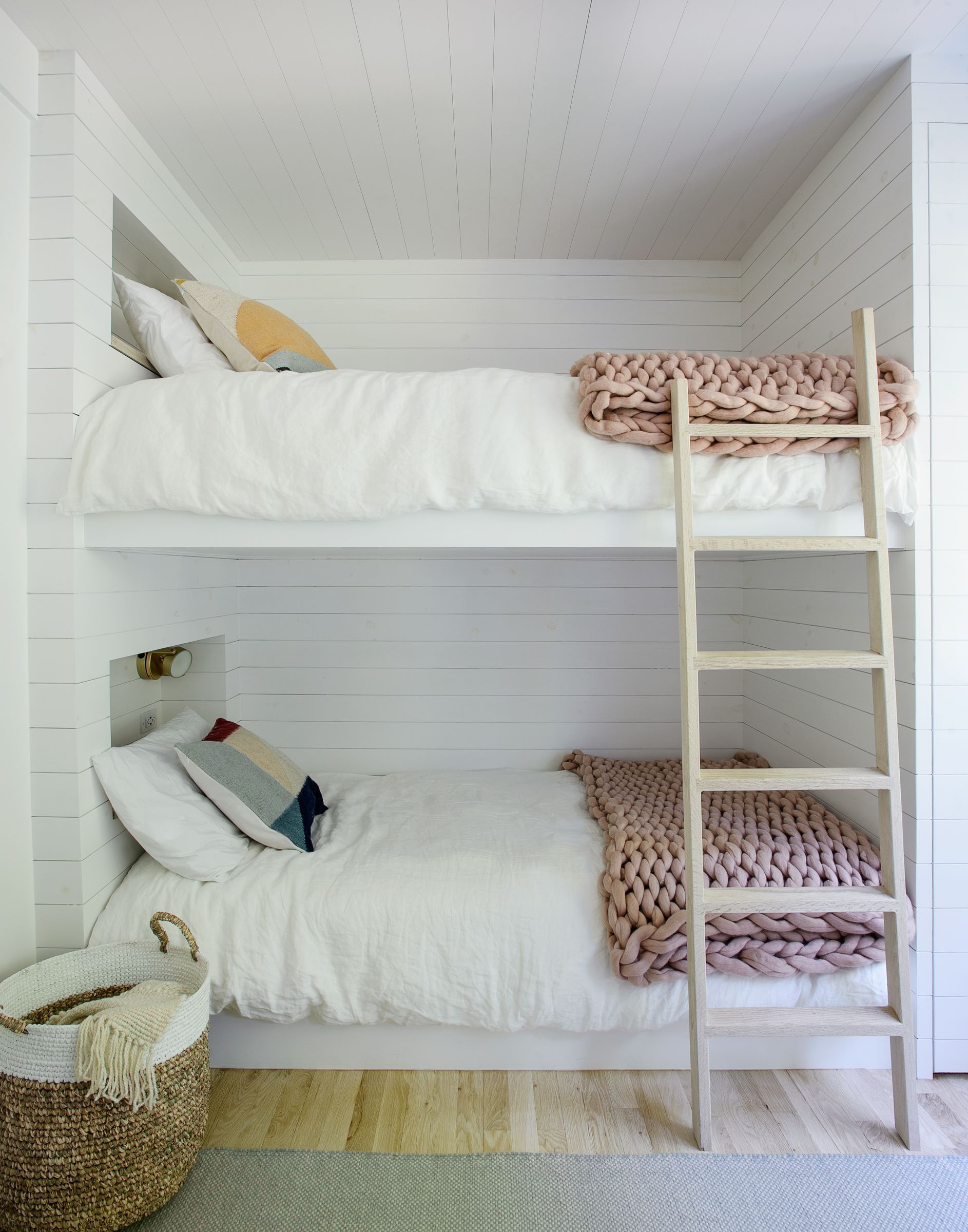 Photo 13 Of 19 In A Hamptons Beach Retreat Gets A Scandinavian Style Small Room Bedroom Remodel Bedroom Small Bedroom