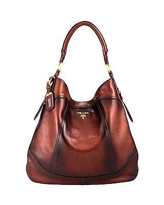 Prada #moda #fashion #cuero #leather #bolsos #zapatos #bags #shoes ...