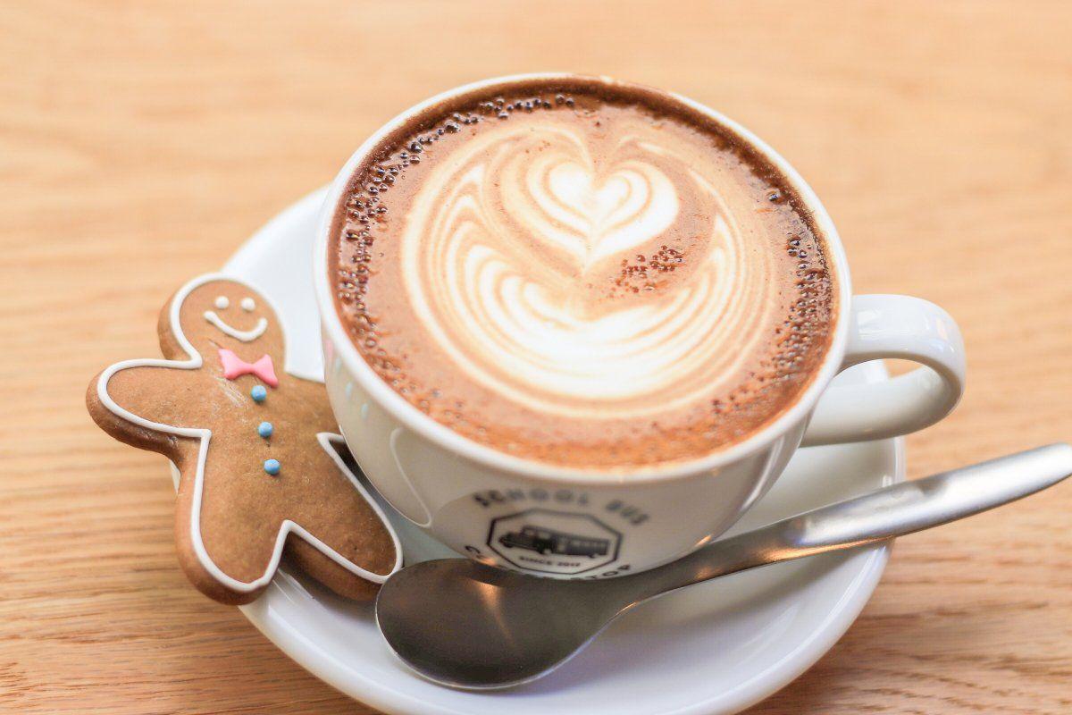 スクールバスコーヒーストップ 北浜店 オフィス街のアメリカンスタイルお洒落coffee Cafe クリームソーダ コーヒー カフェ ドリンクレシピ