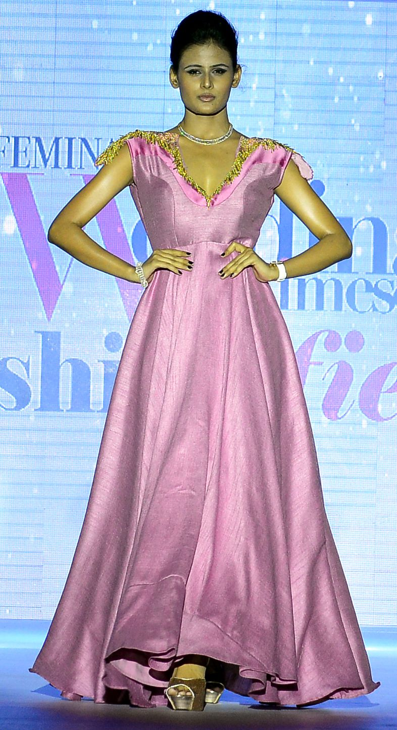 Looking For A Gown Style Indian Wedding DressIndianIndia Gowncelebrity
