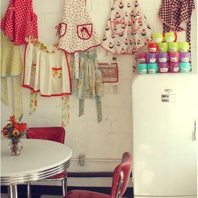 Floor Decor Arlington Heights: Vintage Aprons On A Clothesline