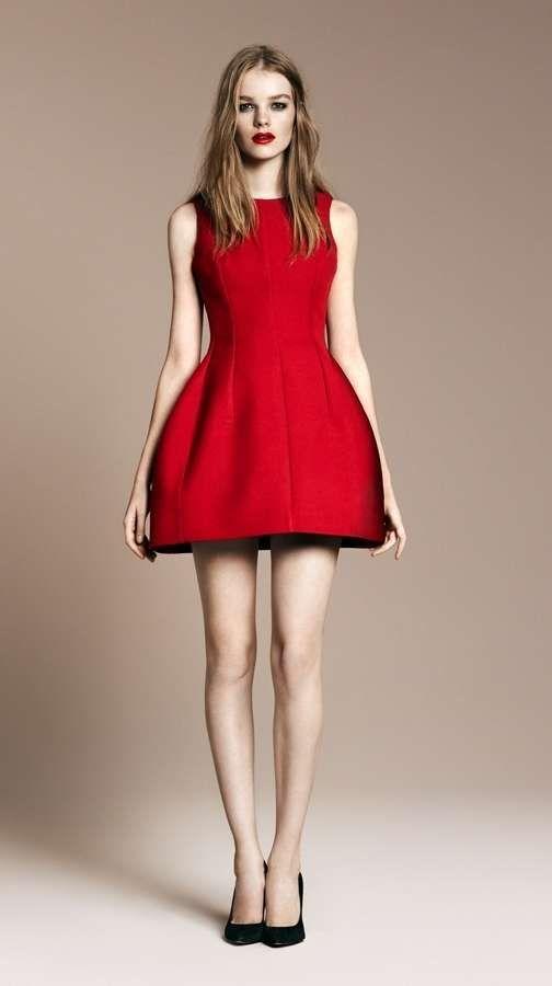 484634e2889a Vestirsi a Capodanno  abiti low cost - Vestito Tulipano rosso di Zara