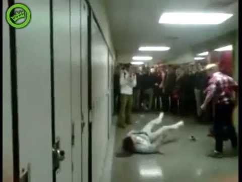 O Rapaz que Sofria de Bullying Passou-se Completamente, Virou-o por Três Vezes!!! Aposto que Nunca Mais se Metem com Ele!! - Até Mias