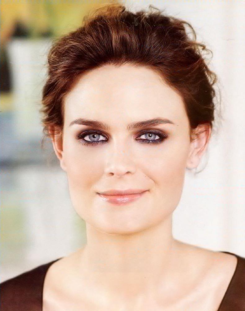 Emily Deschanel, eye makeup   Wedding Fashion   Emily ...