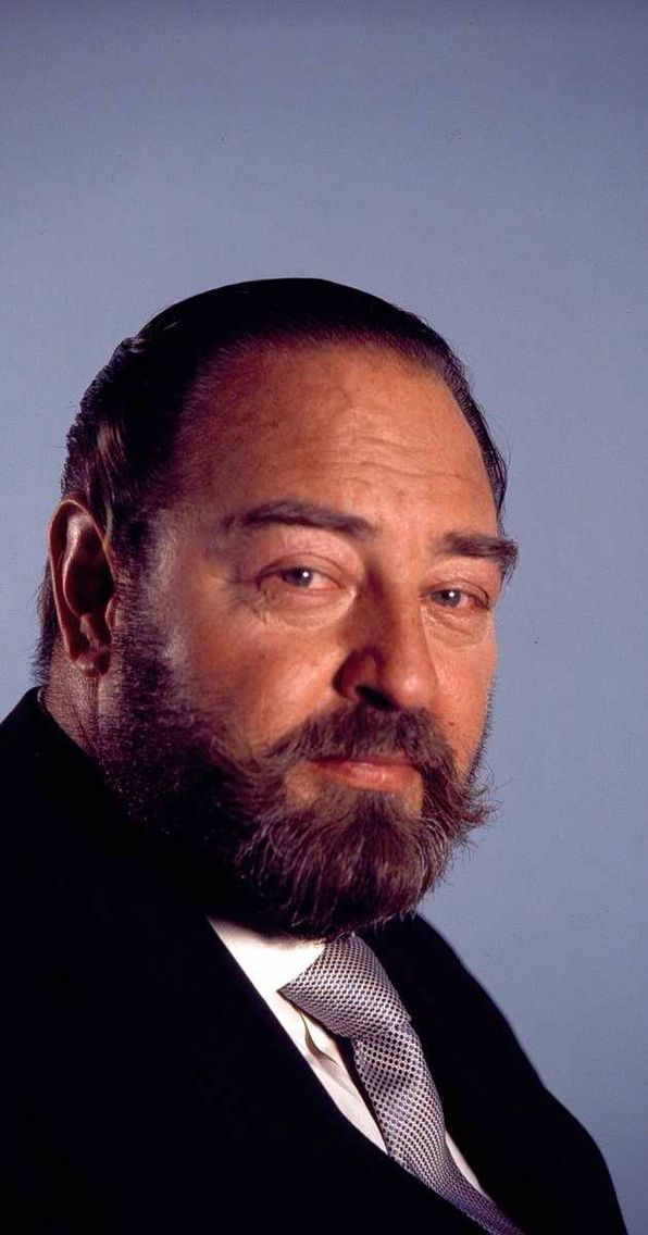Sebastian Cabot Awesome Disney Voice Actor:)