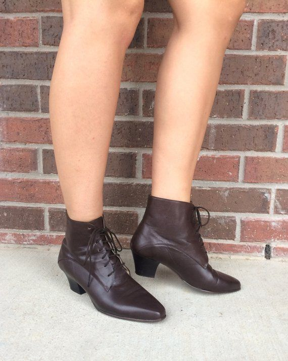 0009fa56107d6 vtg 80s brown leather LACE UP Ankle Heel BOOTS flats 8 pointy boho ...