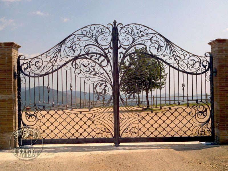 Cancelletto In Ferro Battuto : Per entrare in casa di salvatore si passava per un cancello di