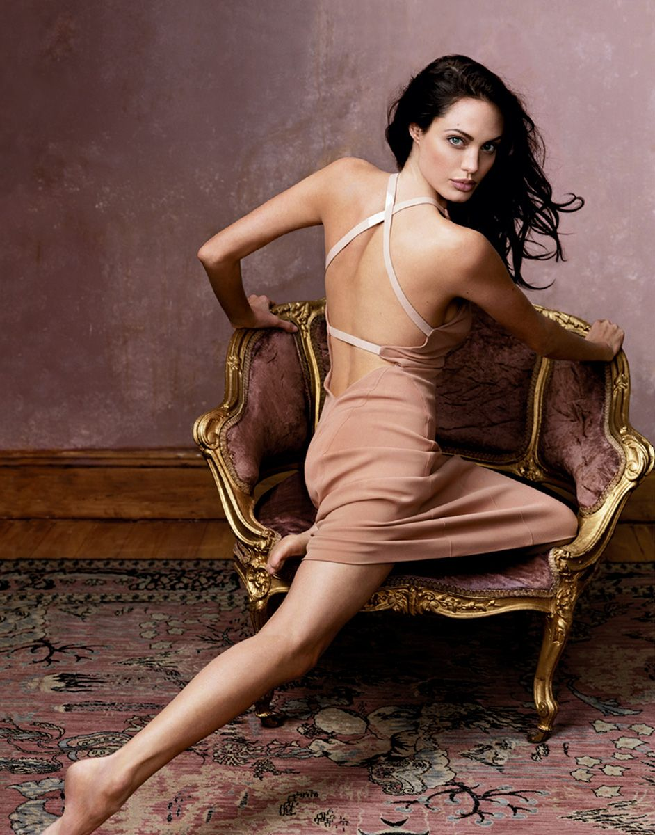 backless dress- love it