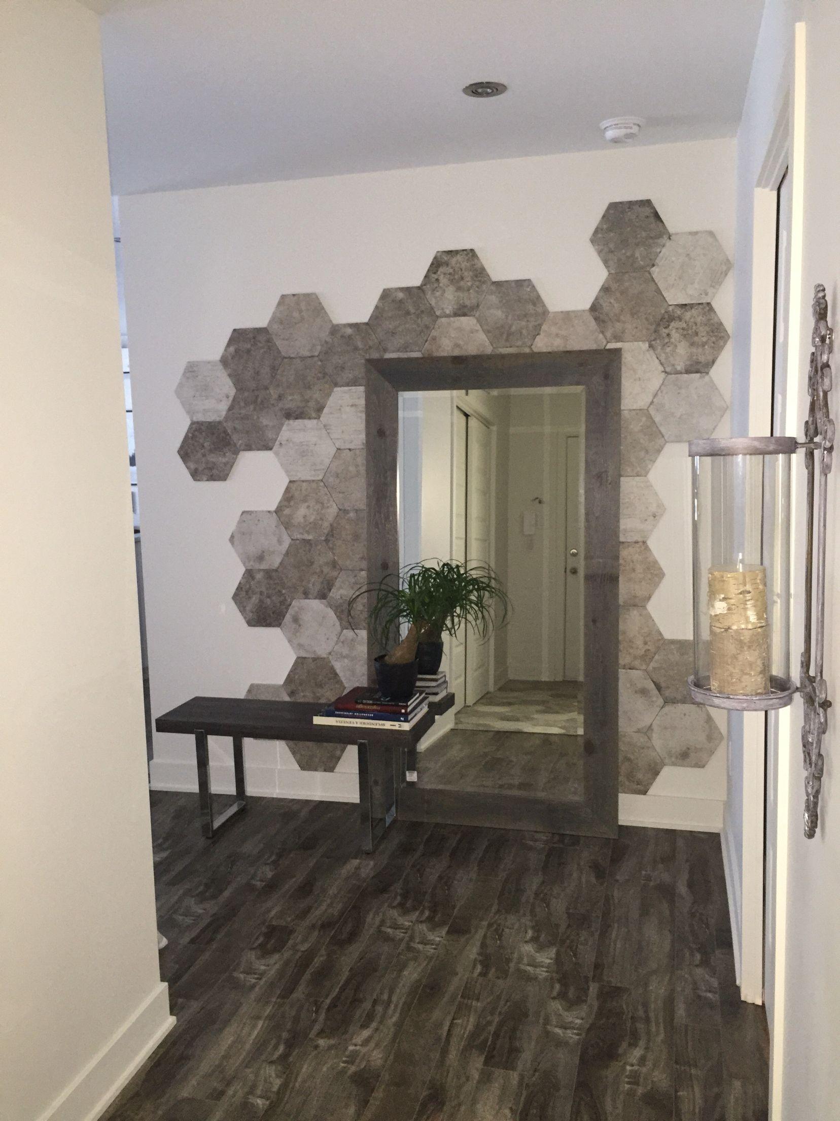 Mur accent face à la porte d\'entrée. | V.RoDesign | Pinterest | Walls