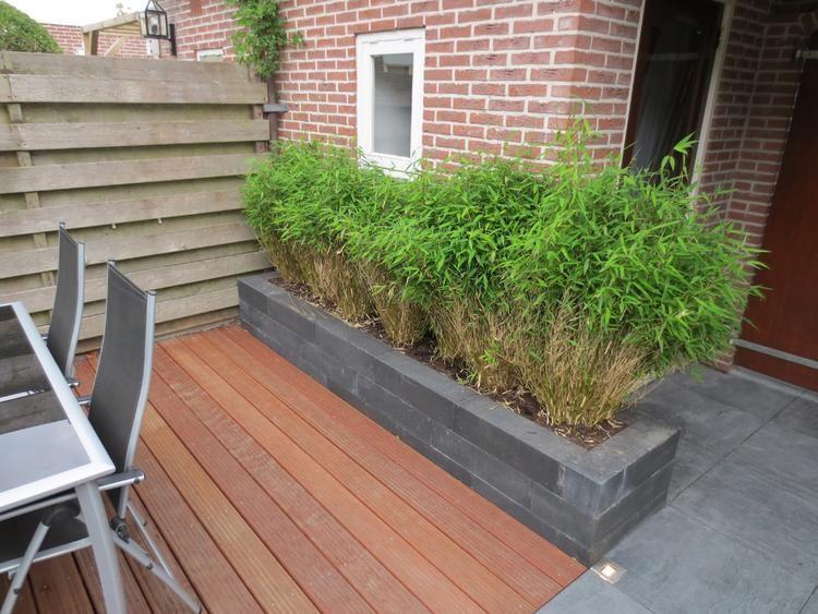 Foto kleine tuin met bestrating en hardhouten vlonder naar ontwerp van het tuinleven - Tuin ontwerp foto ...