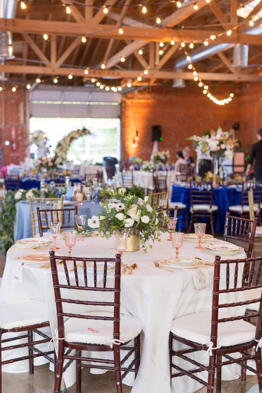 wedding receptions - photo by SDK Photo and Design http://ruffledblog.com/moon-phases-wedding-inspiration-in-los-angeles