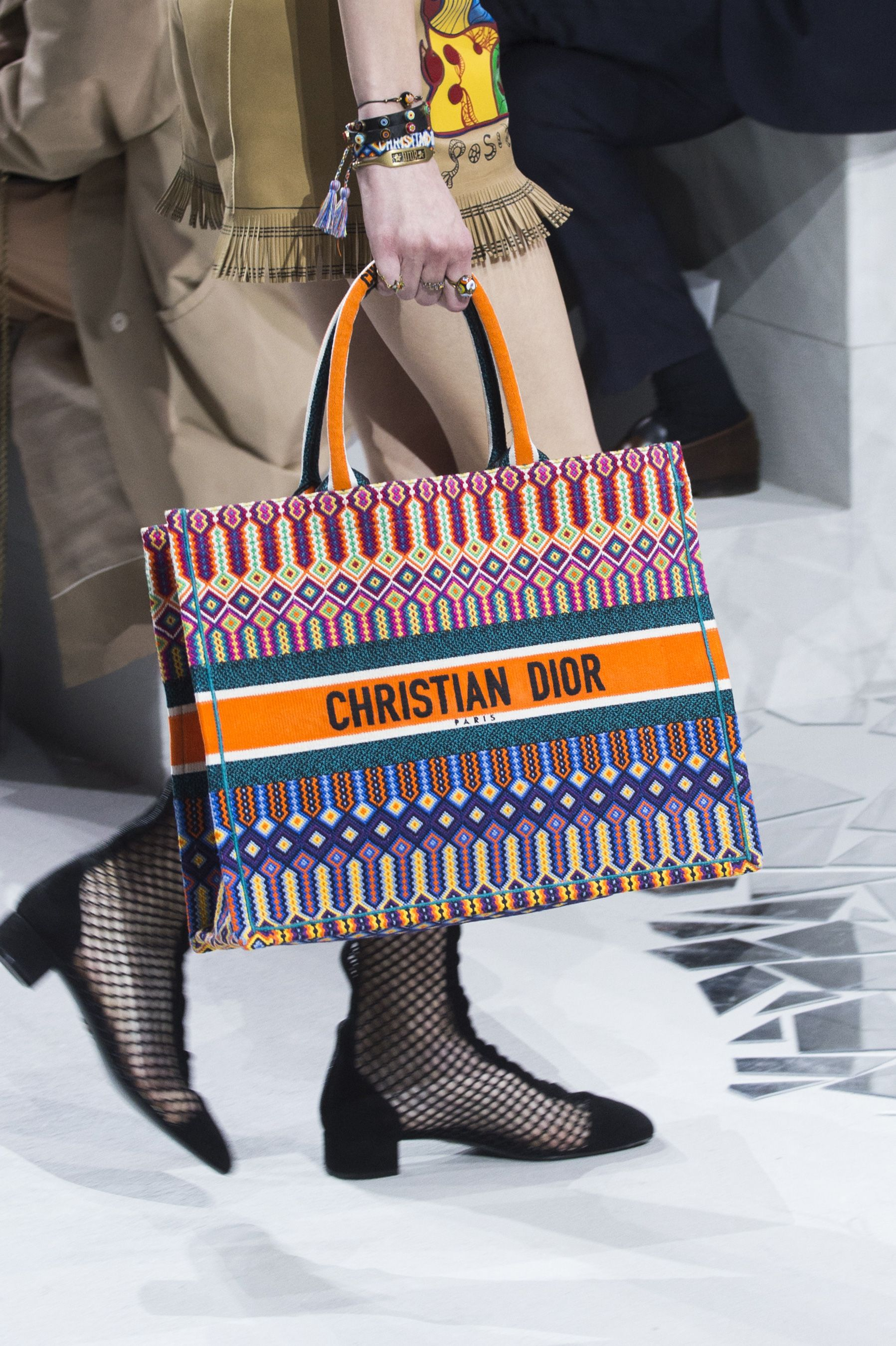 Christian Dior Spring 2018 Fashion Show Details - The Impression ... 8de76eda212