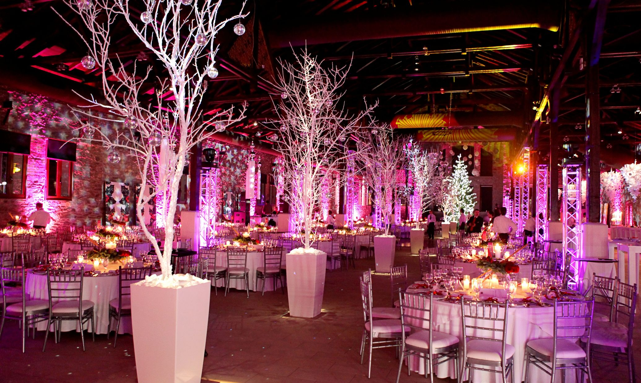 Unforgettable wedding reception at the most impressive reception ...