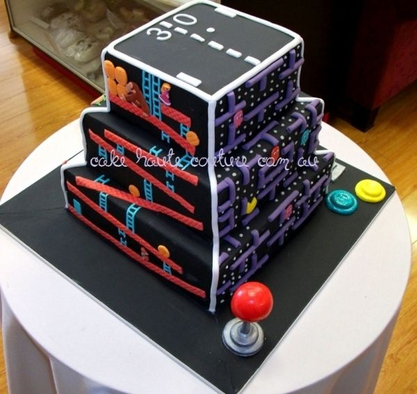 Cool Retro Gamers Cake Video Game Cakes Wedding Cake Pictures Cake Funny Birthday Cards Online Inifodamsfinfo