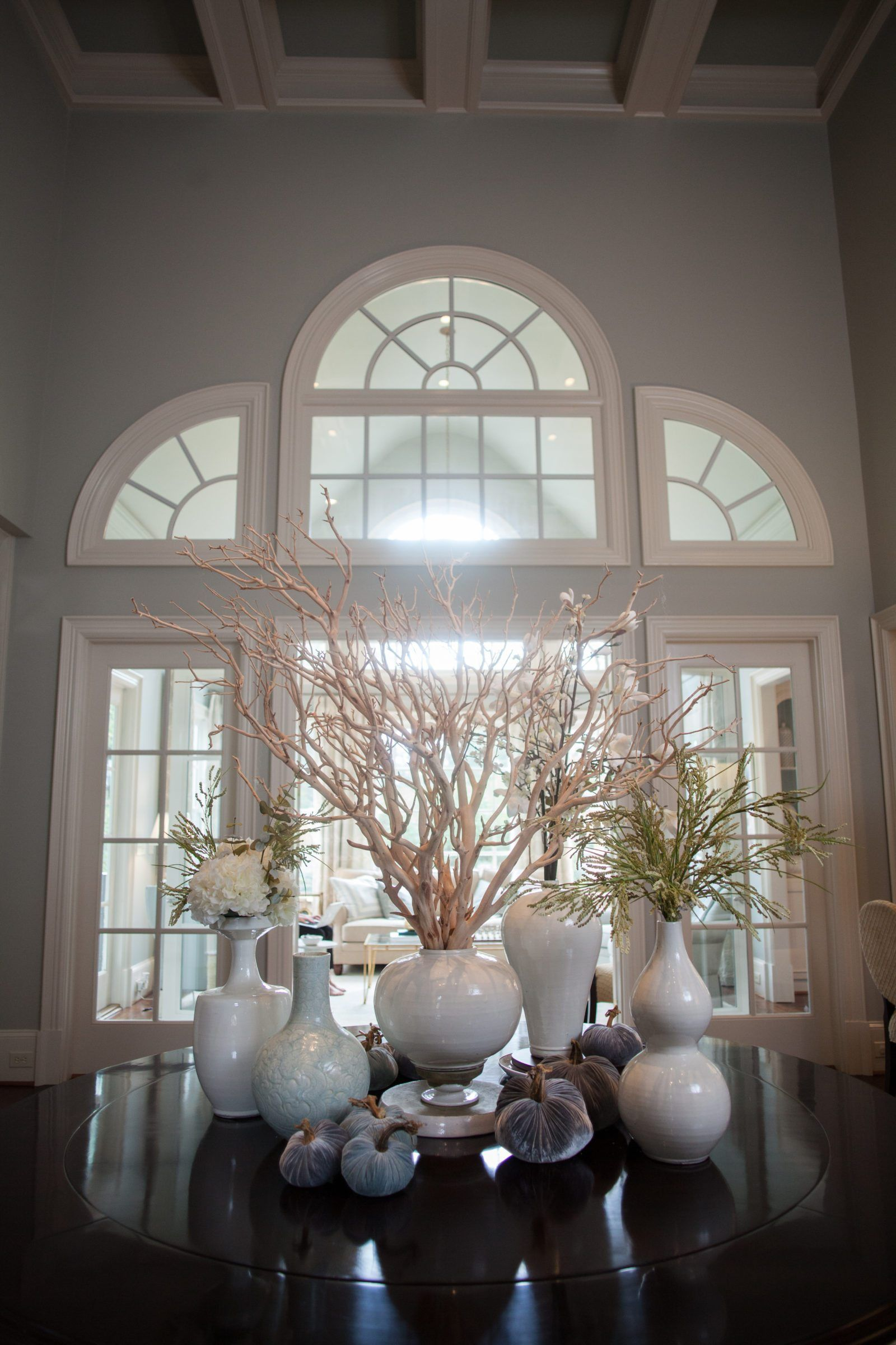 How To Decorate A Centerpiece For Round Dining Room Table Round