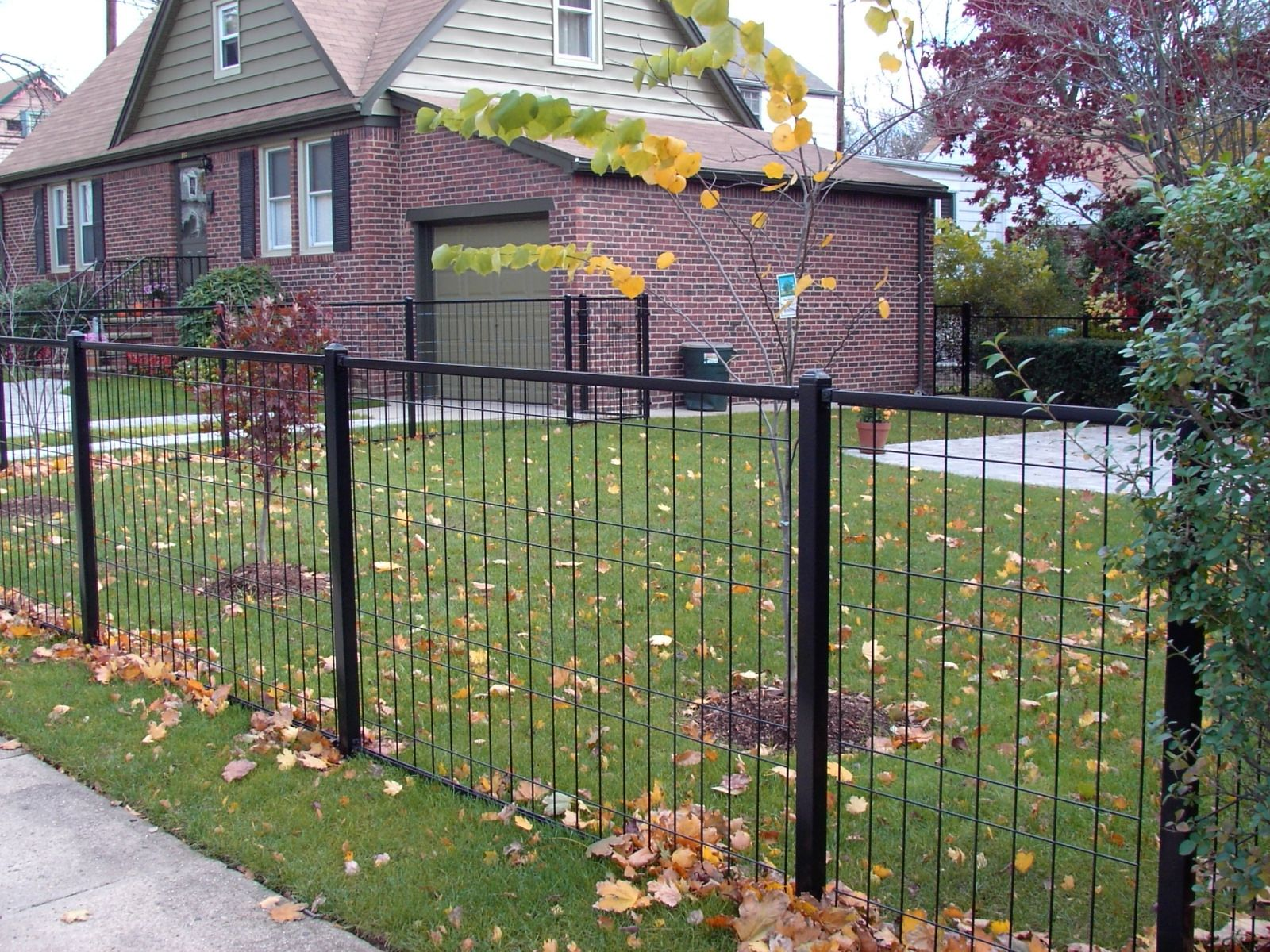 48 High 4 Gauge In Black Welded Wire Fence Front Yard Fence Fence Design
