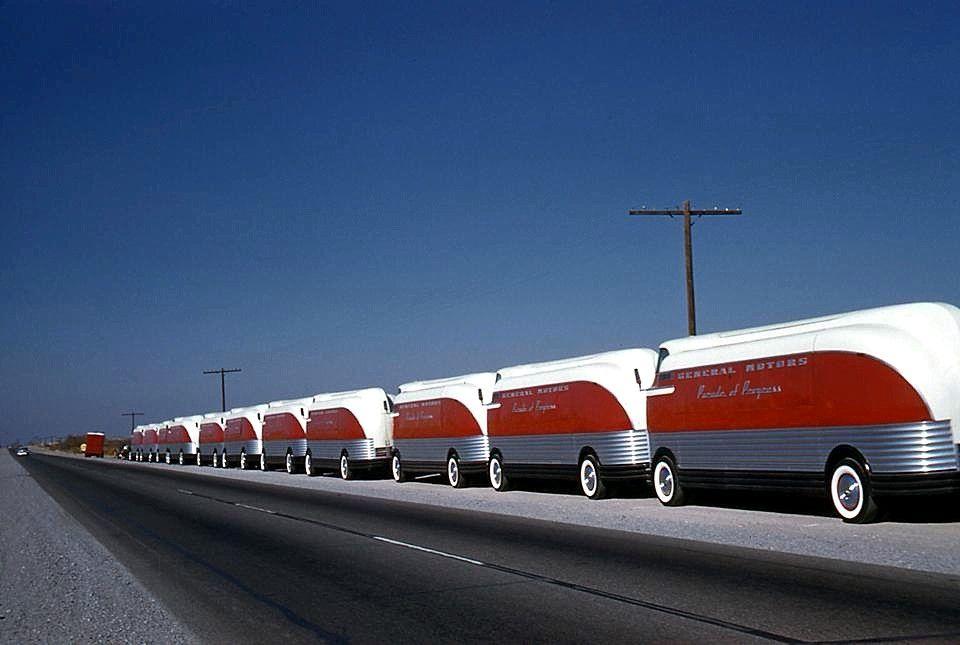 GM Futureliners… a Parade of Progress
