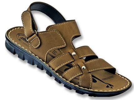4fd7c93f9b40 Casual need not lose out on style says this cozy looking footwear for men  from Paragon Slickers.