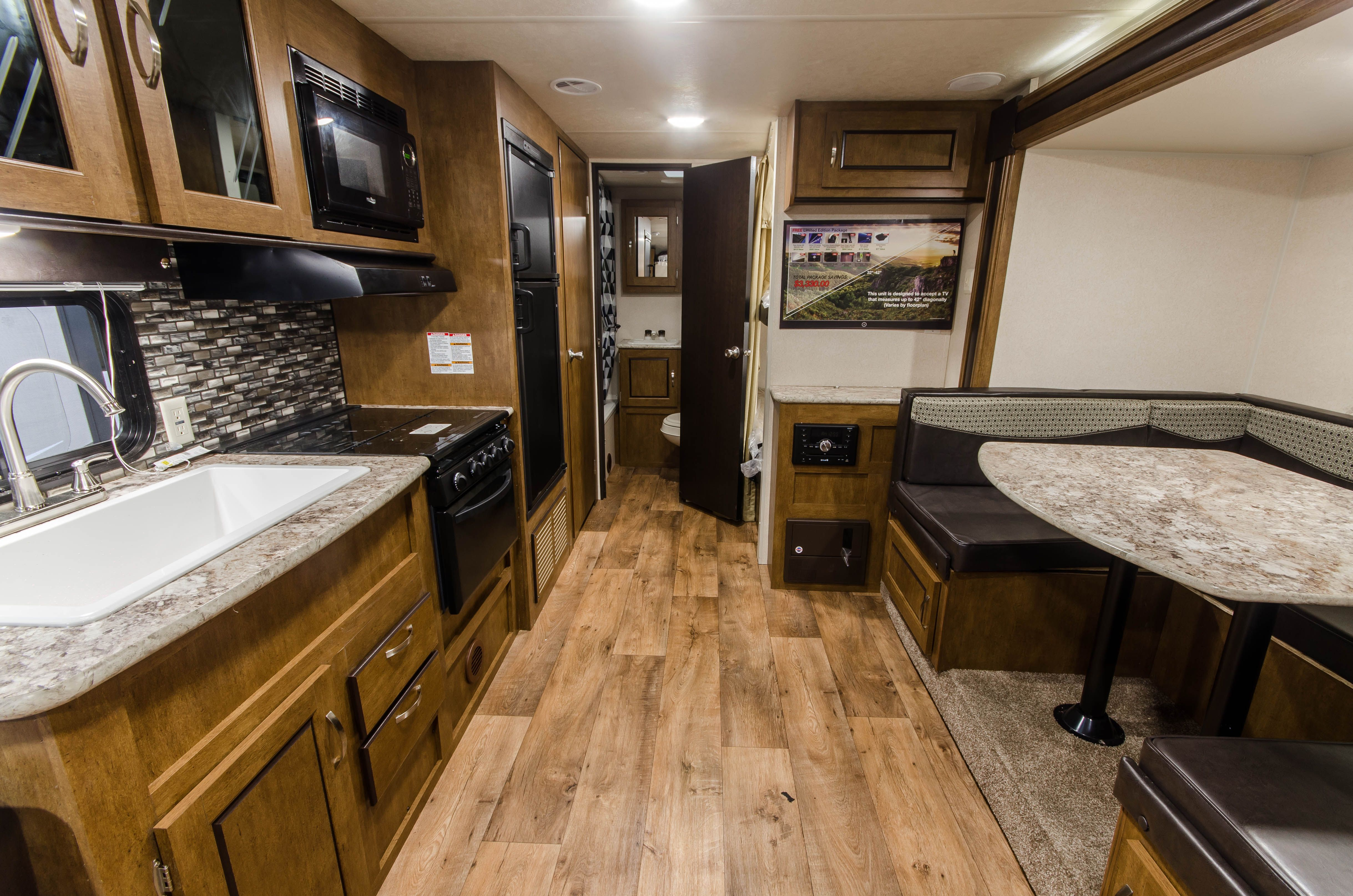 Forest River Rvs >> Interior Of The Forest River Salem Cruise Lite Travel