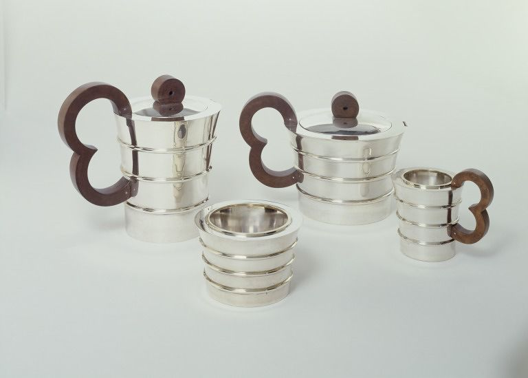 Tea service 1936 design by jean elis e puiforcat for Product design companies london