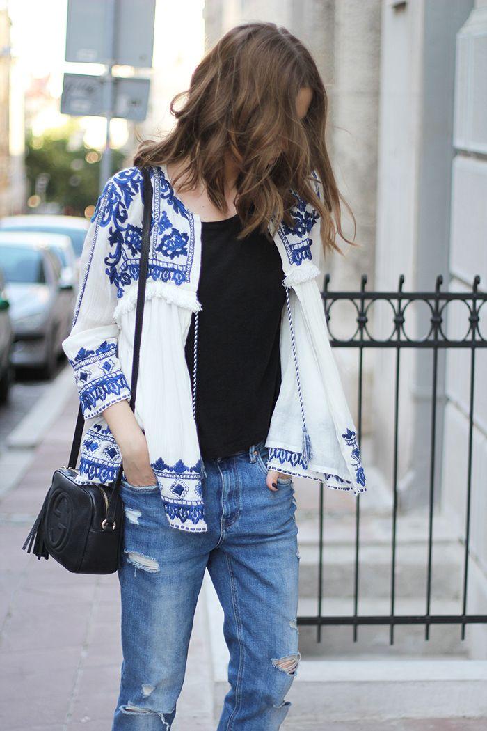 embroidered boho jacket. Hoy os dejo estas fotos con esta chaqueta bordada  de estilo boho de Zara, me recordó a las blusas mexicanas.