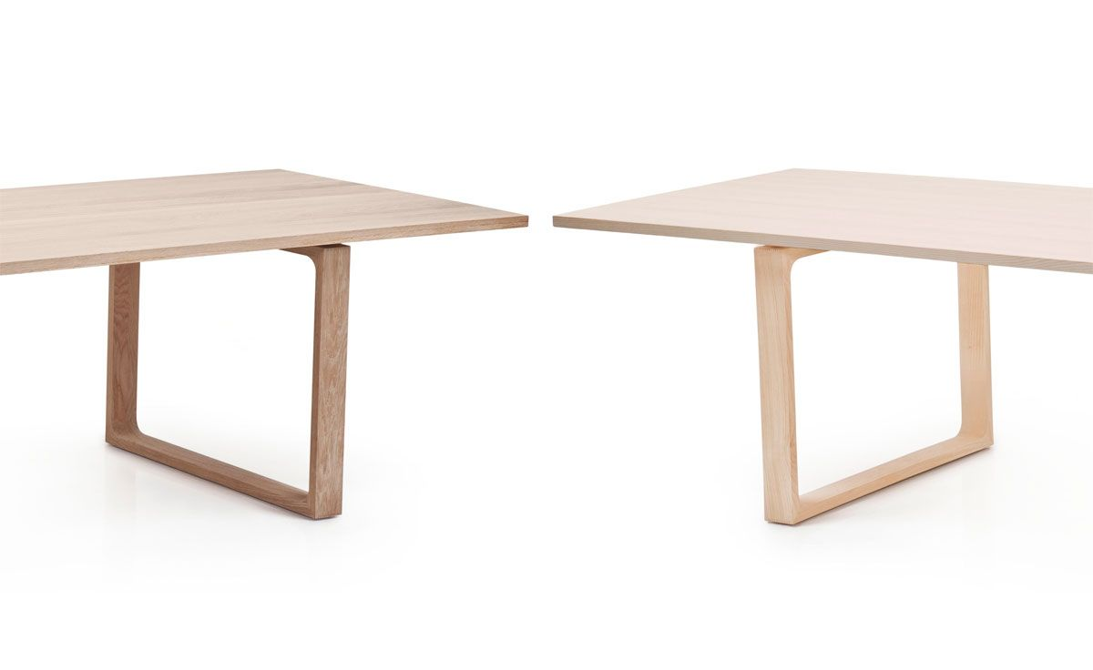 fritz hansen essay dining table in oak by cecilie manz
