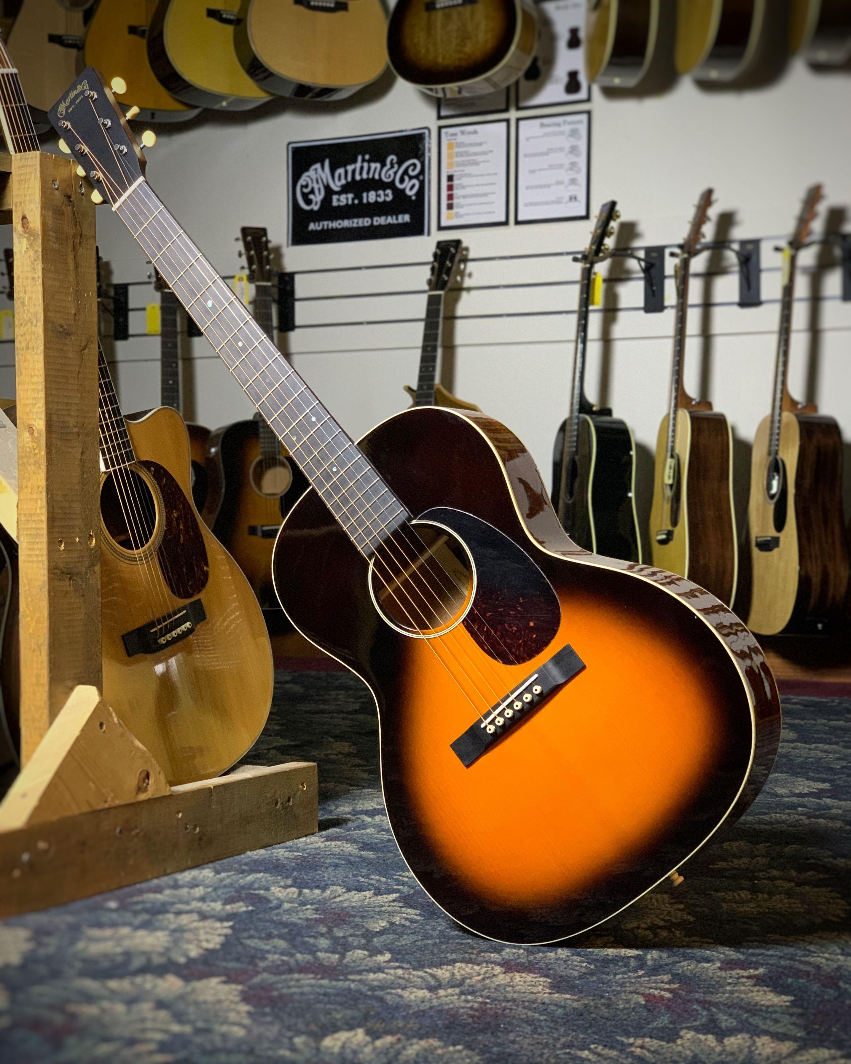 Martin Ceo 7 Guitar Case Acoustic Guitar Martin Guitar Guitar