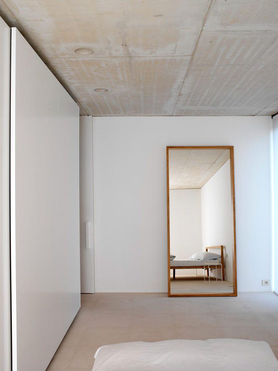 Minimal spaces by Hans Verstuyft Architecten