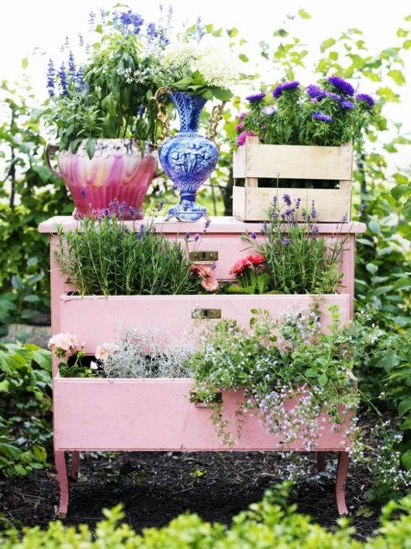 Alte Holz Kommode Rosa Garten Schubladen Topfe Garten Pinterest