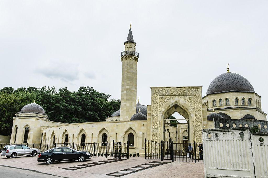 Gunmen Open Fire On Crowd Outside Mosque In France