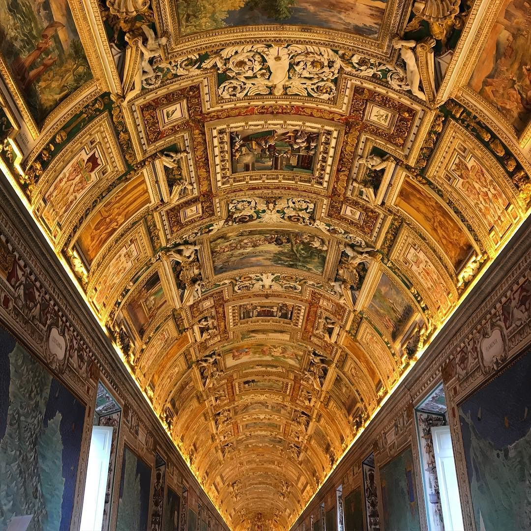 Teto surreal da sala de mapas do Vaticano #toogoldtobetrue #muitacor #decairoqueixo #art #vaticanmuseum by ideiasnamala