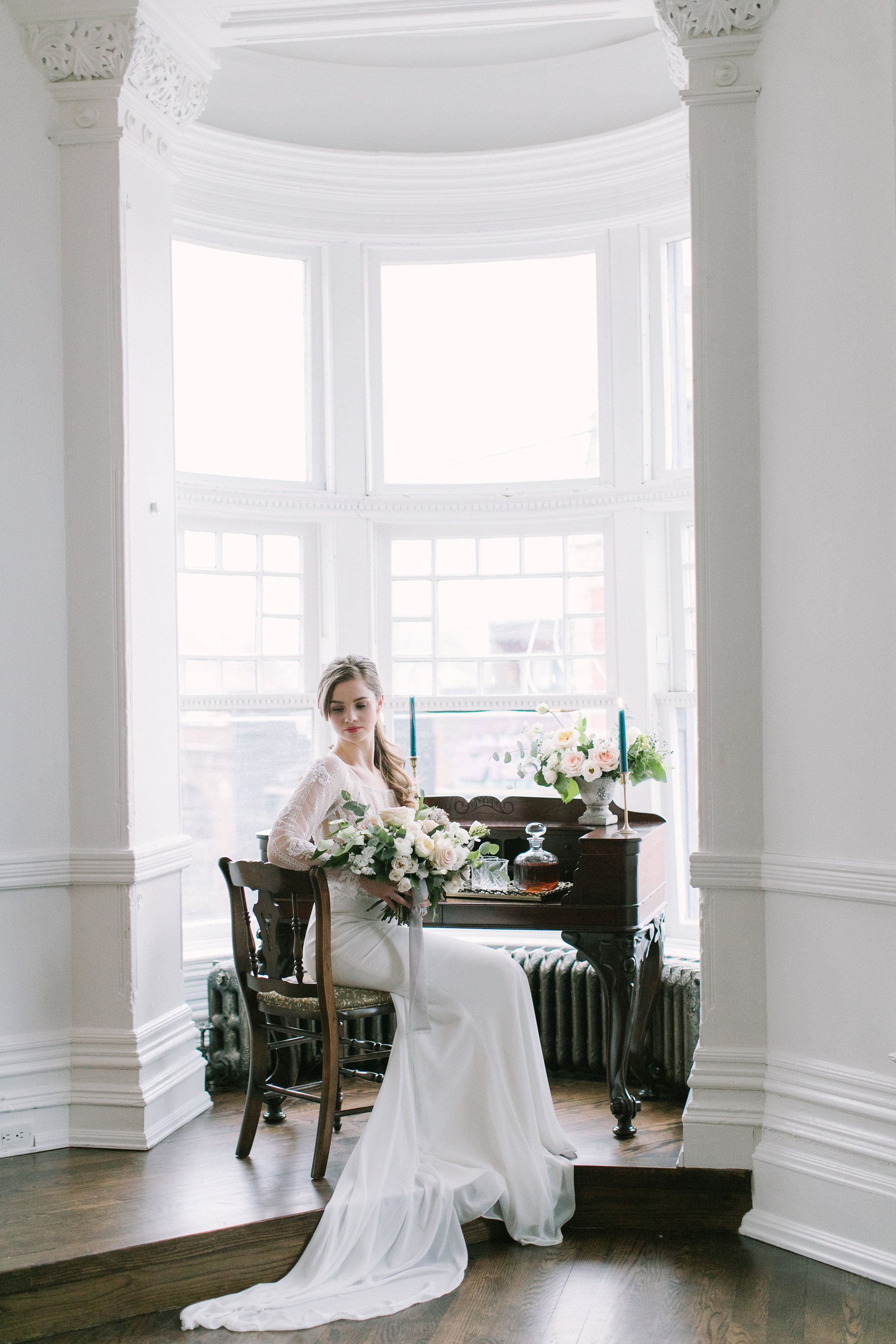 Contemporary french wedding at the great hall wild flower